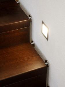 Holzfaltwerktreppe-Beleuchtung