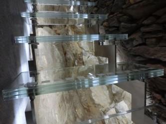 Edelstahltreppe mit Glasstufen