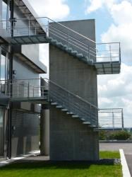 Kragarmtreppe aus Stahl